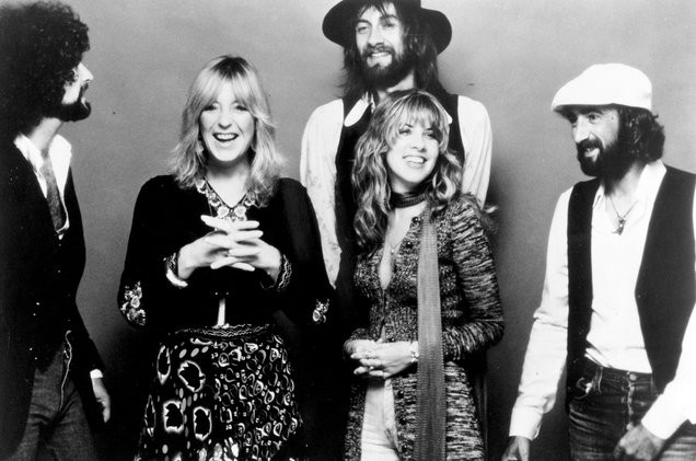 fleetwood-mac-1977-bw-portrait-a-1548-1522800961-compressed